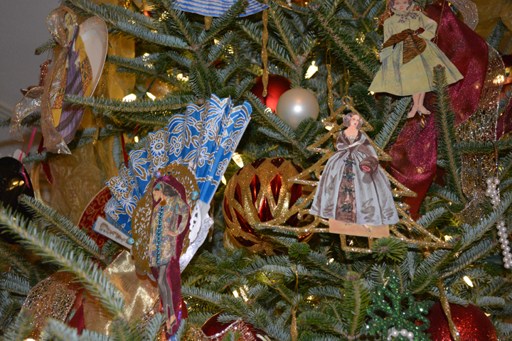 detail of the 2017 Christmas tree at Laurel Hill Mansion
